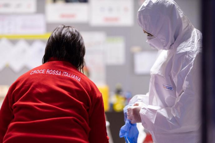 Unicredit, 360mila euro alla Croce Rossa per gestione emergenza coronavirus