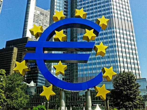 Tempesta di vendite si abbatte su Europa