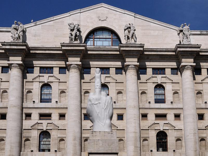 Banche centrali non bastano, listini europei a picco