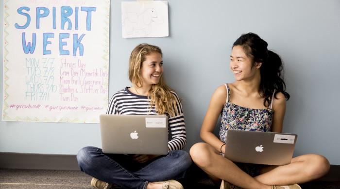 Amazon, ecco le tre vincitrici della borsa di studio Women in Innovation