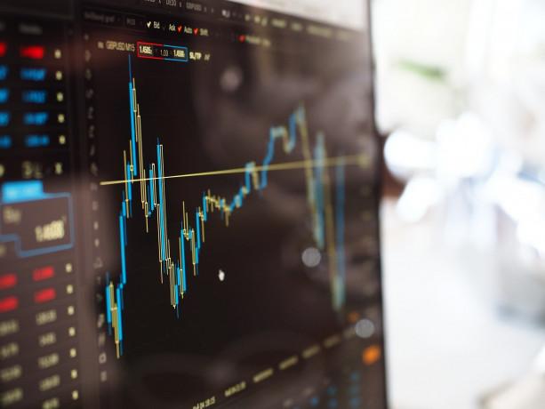 Travolte dalle vendite le Borse europee, Milano -3,35%