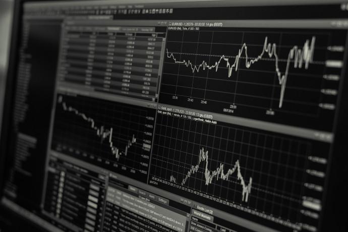 Azionariato europeo in calo, preoccupa variante Covid-19