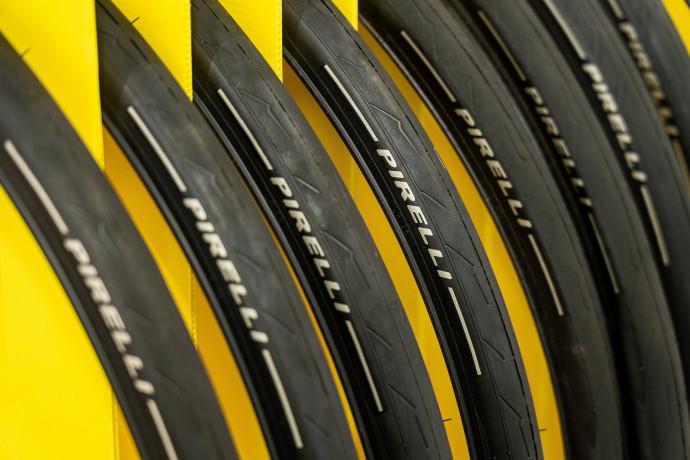 """Pirelli presenta nuovo piano in due fasi.  Tronchetti, """"usciamo dalla crisi più forti di prima"""""""