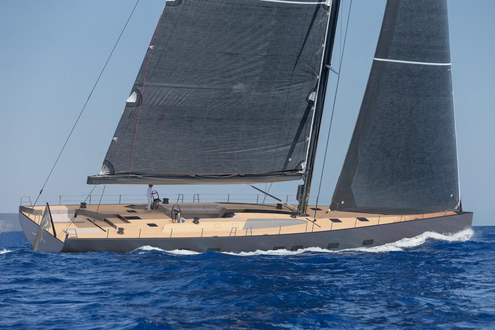 In mare un nuovo Wally 101 a vela full custom, armatore è europeo