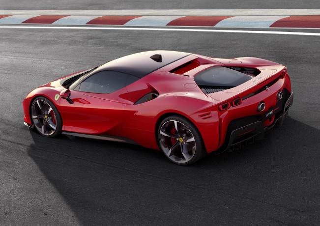Rosso Ferrari, paga il 'sell' di Goldman Sachs